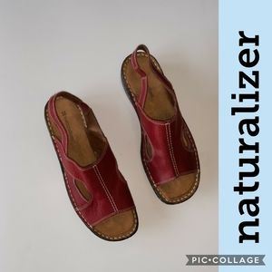 Naturalizer leather sandals, nearly new